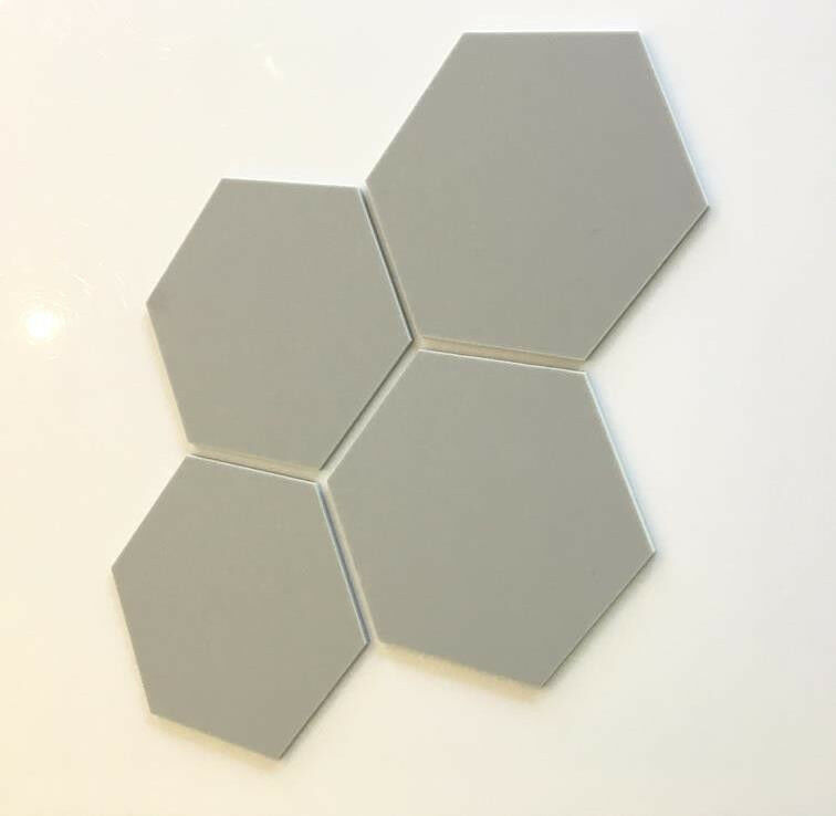 Hexagonal Acrylic Wall Tiles - Light grau