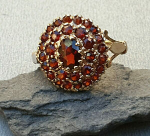 Vintage-9k-9ct-Gold-Garnet-Ring-cluster-dress-Ring-size-N-January-birthsone