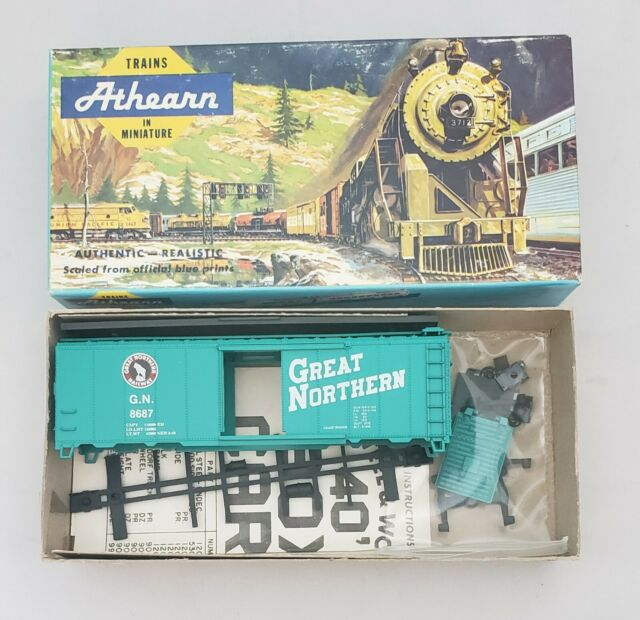 HO Scale Athearn Great Northern 40' Single Door Boxcar Kit 8687 (A)