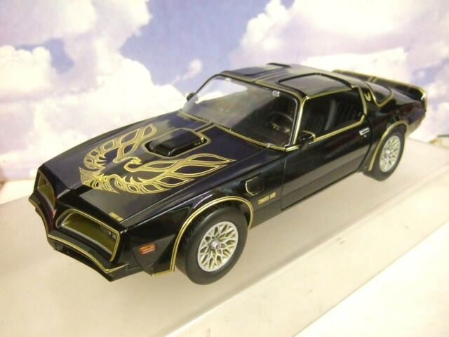1/18 Greenlight 1977 Pontiac Firebird Trans-Am Smokey y la Bandido i 1 #19025