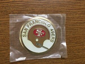Vintage-NFL-1970-039-s-San-Francisco-49ers-3-034-1-Bar-Helmet-Metal-Medallion-Sealed