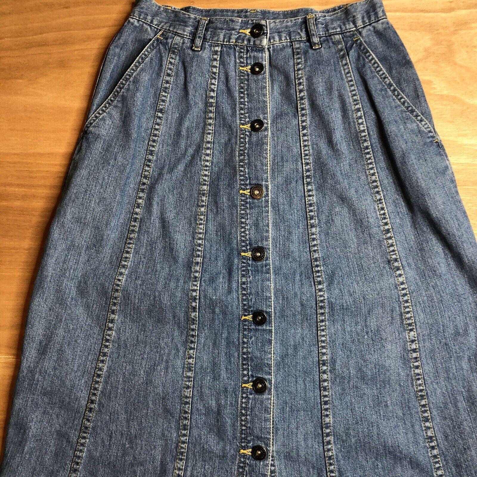Vintage Lizwear Women's Petite Size 6 Denim Butto… - image 2