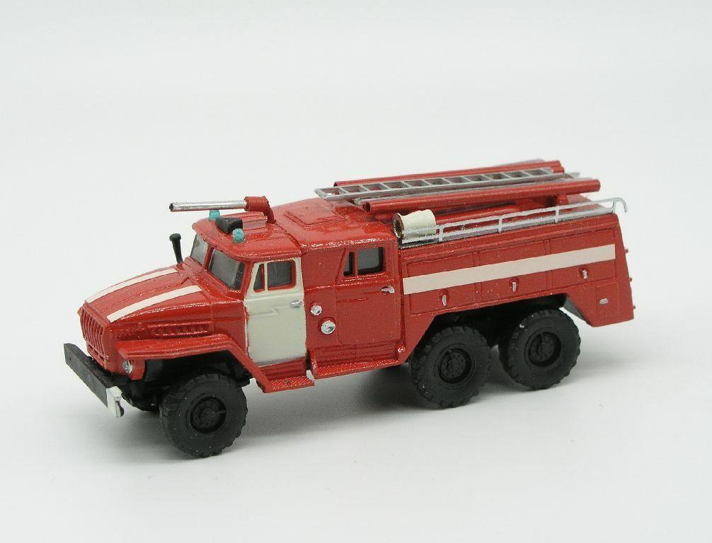 Feuerwehr-Model  Ural 375, Löschfahrzeug mit Werfer,1 87