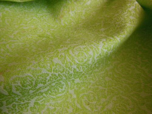 ancien tissu motif vert fond blanc au métre sur 97 cm année 50//60