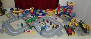 1996 Mattel Hot Wheels World Huge Lot Multiple Playsets Toll Booth Vintage