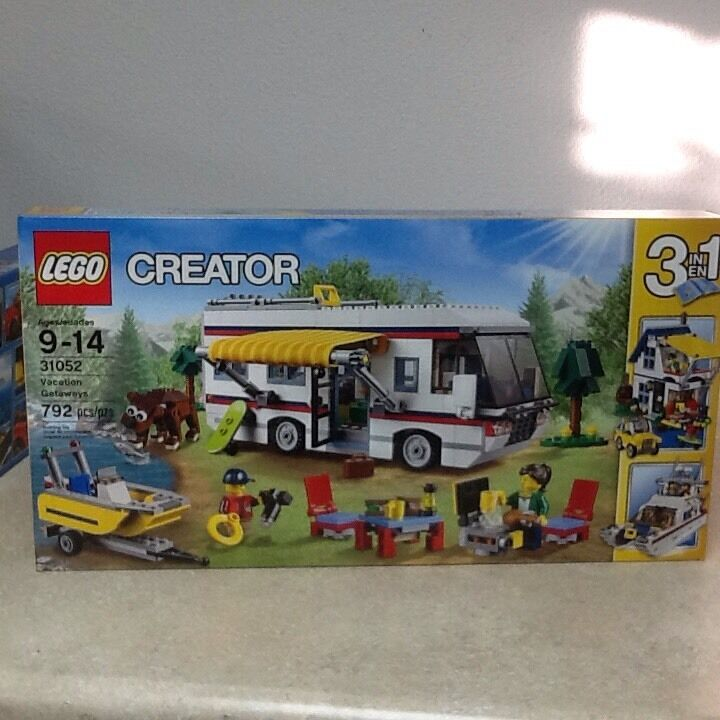 Lego Creator Vacation Getaways 31052 (3IN1 SET), Build a Jeep or boat w trailer