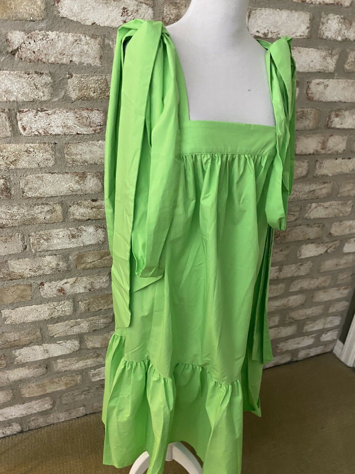 Gorgeous Green Christopher John Rogers Dress In A… - image 3