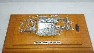 CMC-1-18-MASERATI-TIPO-61-BIRDCAGE-SPACE-FRAME-edition-limitee-objet-M-122