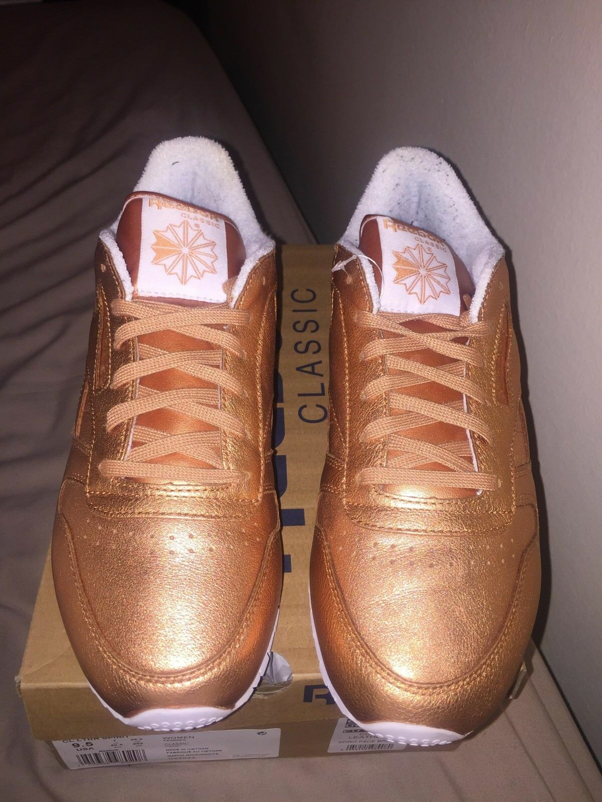WORN ONCE Reebok Classic Leather Women's in pink gold UK SIZE 7