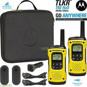 Motorola-TLKR-T92-H20-Walkie-Talkie-Radio-Twin-Pack-IP67-Waterproof-LED-Torch