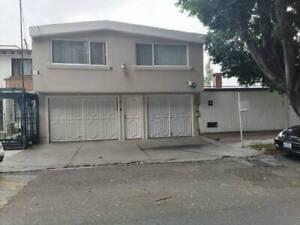 Casa en venta en Valle Dorado.