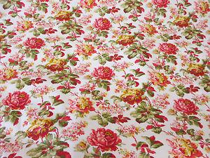 Ivoire-amp-rose-TRADITIONNELLE-Fleurs-imprime-floral-100-COTON-POPELINE-tissu