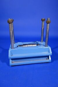 Lab Press - Gel Electrophoresis Laboratory Instrument Press with Spacers