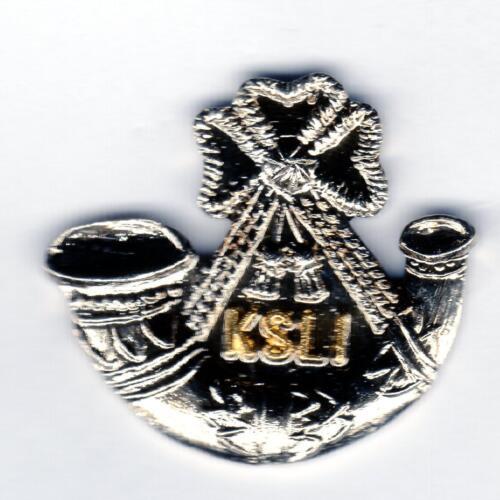 KINGS SHROPSHIRE LIGHT INFANTRY White /& gilt metal Lapel Badge