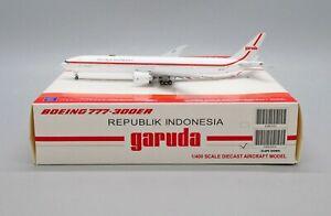 Republik Indonesia B777-300ER Reg: PK-GIG JC Wings Scale1:400 FLAPS DOWN LH4202A