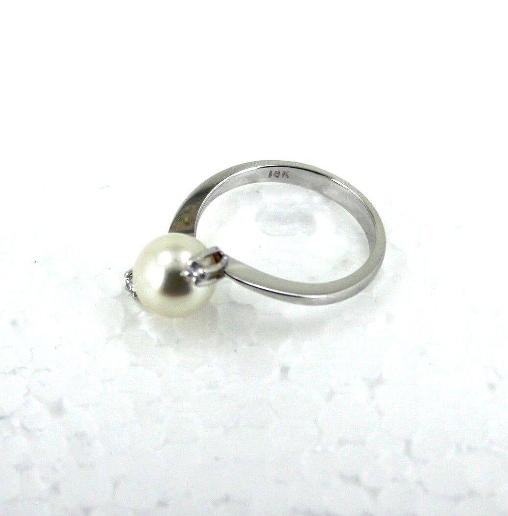 Akoya Pearl Ring with 0.06 Carat Diamonds Set In 18K White gold 3.5 Grams