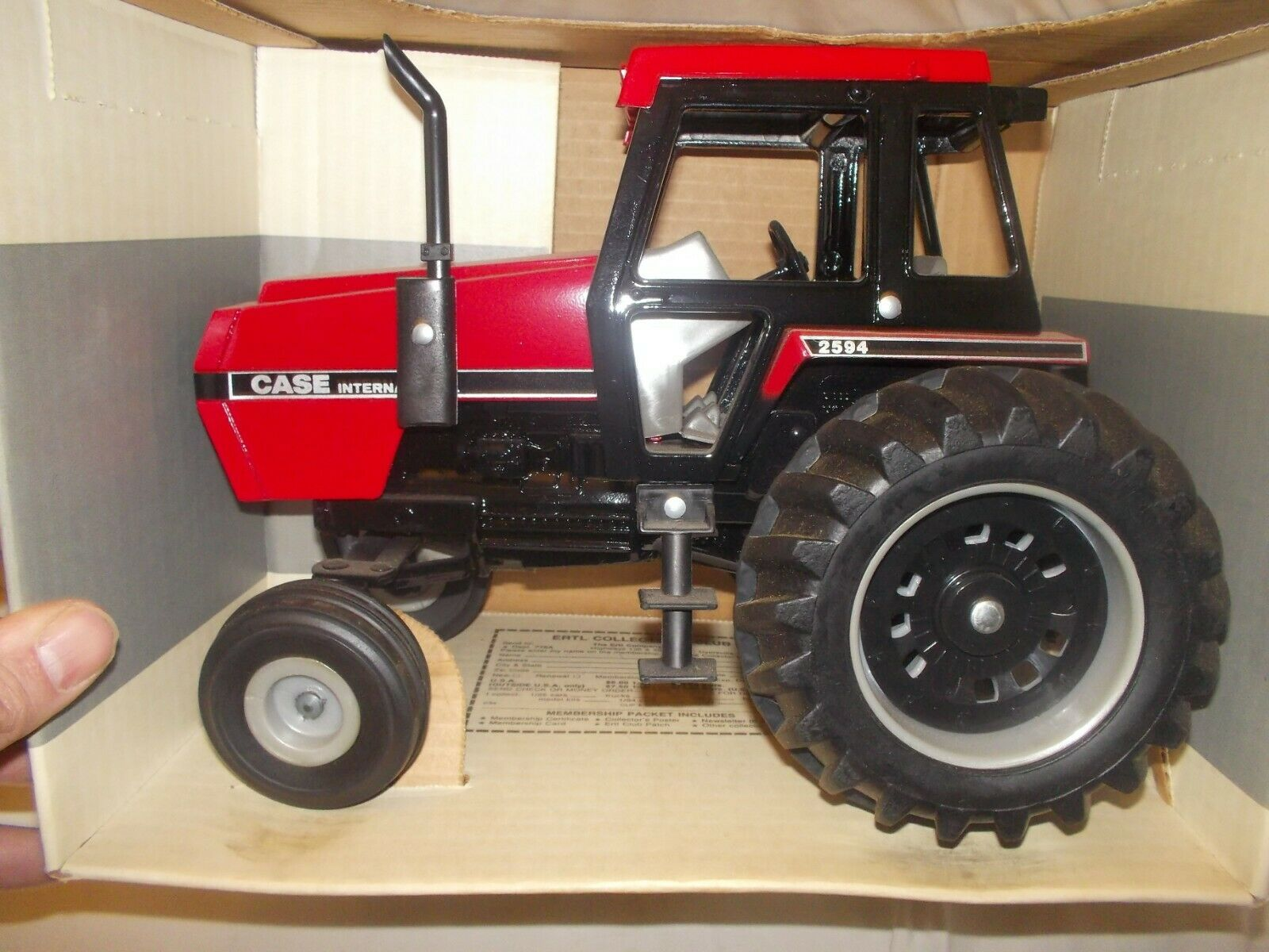 Case International IH 2594 rosso Cab toy tractor 1 16 scale NIB box 600