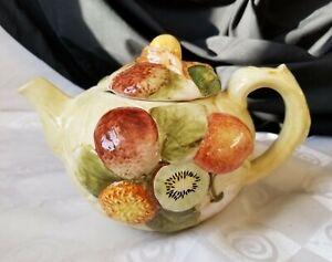 Golden-Crown-E-amp-R-of-Italy-Fruit-Teapot-Ceramic-Beautiful-1950s