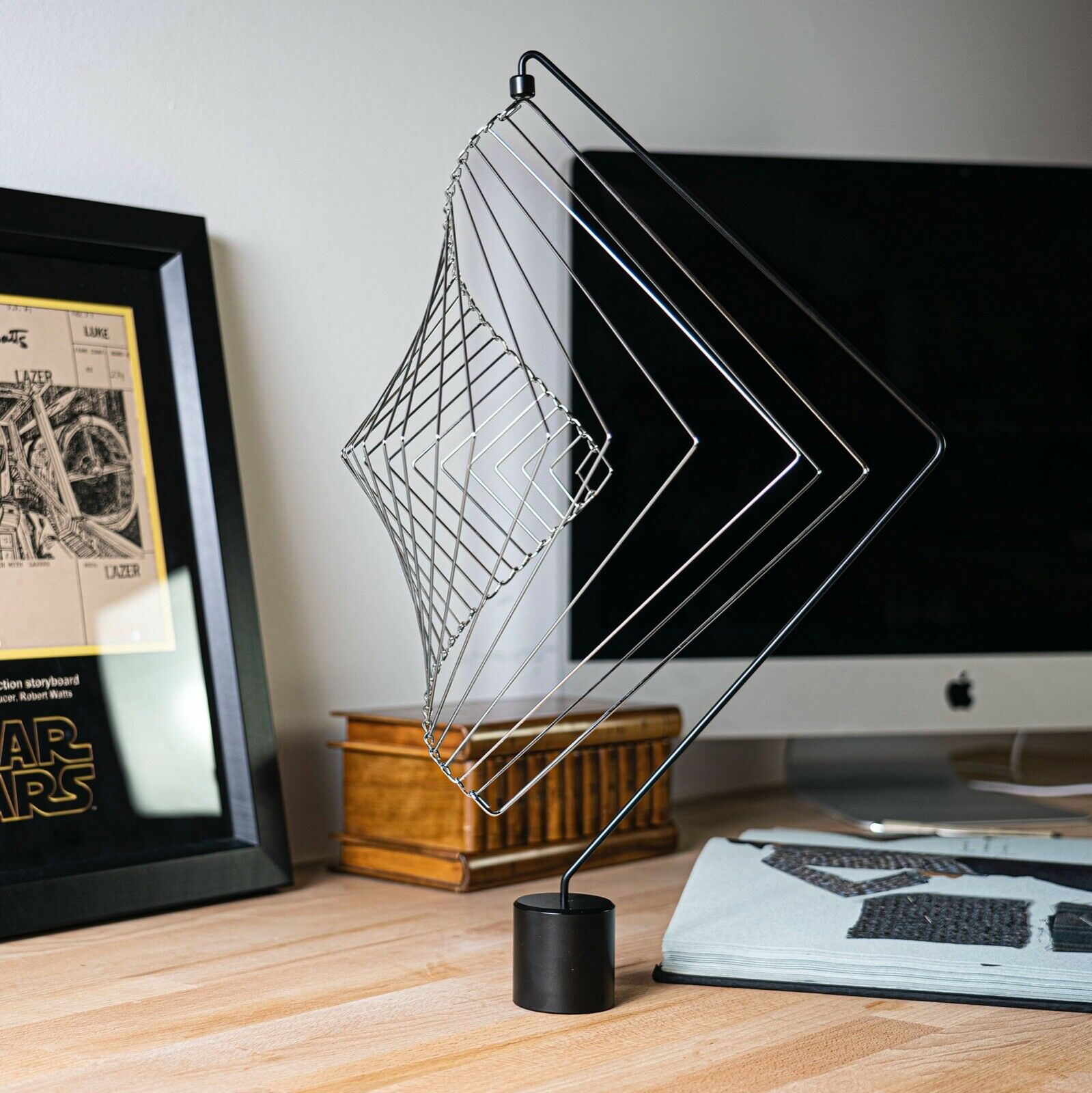 New Magnetic Stand with a Square Wave Metallic Silver by Ivan Black
