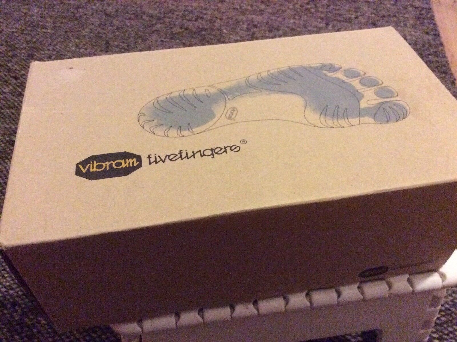 VIBRAM  FIVE FINGERS BNWB MOISTURE MANAGMENT EU43 TRAINING YOGA BAREFOOT SHOES  we take customers as our god