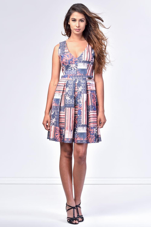 NWT  ITALIAN DESIGNER SISTE'S Summer Dress Größe L 12 14 Wrinkle Resistant