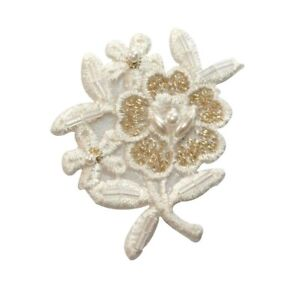 ID 6740 White Daisy Flower Patch Garden Bud Plant Embroidered Iron On Applique