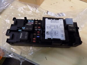 genuine new range rover sport 2013 onwards fuse box lr080334 ebay uplander fuse box image is loading genuine new range rover sport 2013 onwards fuse