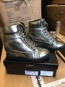 check out 4c048 c728e Dettagli su Gattinoni marchio italiano marchio di moda casual scarpe  sportive/Streetwear Taglia 6 39- mostra il titolo originale
