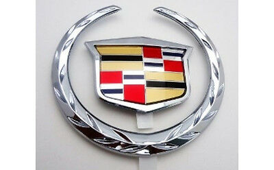 --------FREE SHIPPING 2015-2019 CADILLAC STEERING WHEEL WREATH AND CREST EMBLEM