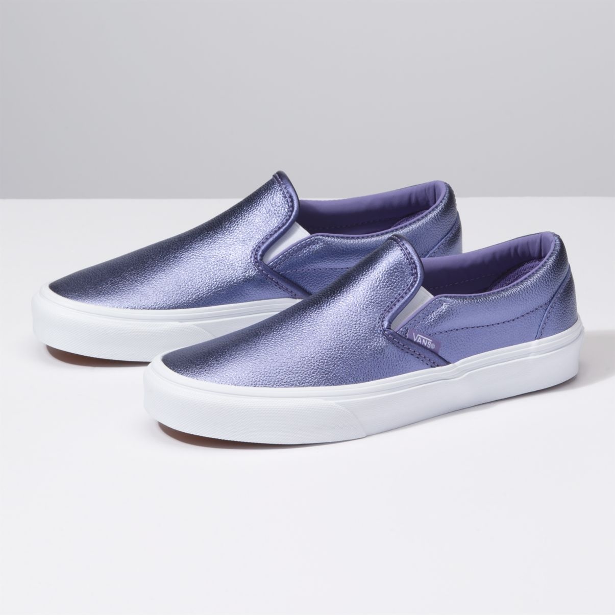 VANS Classic Slip-On Metallic Women   Veronica  True White (VN0A38F7ULW)