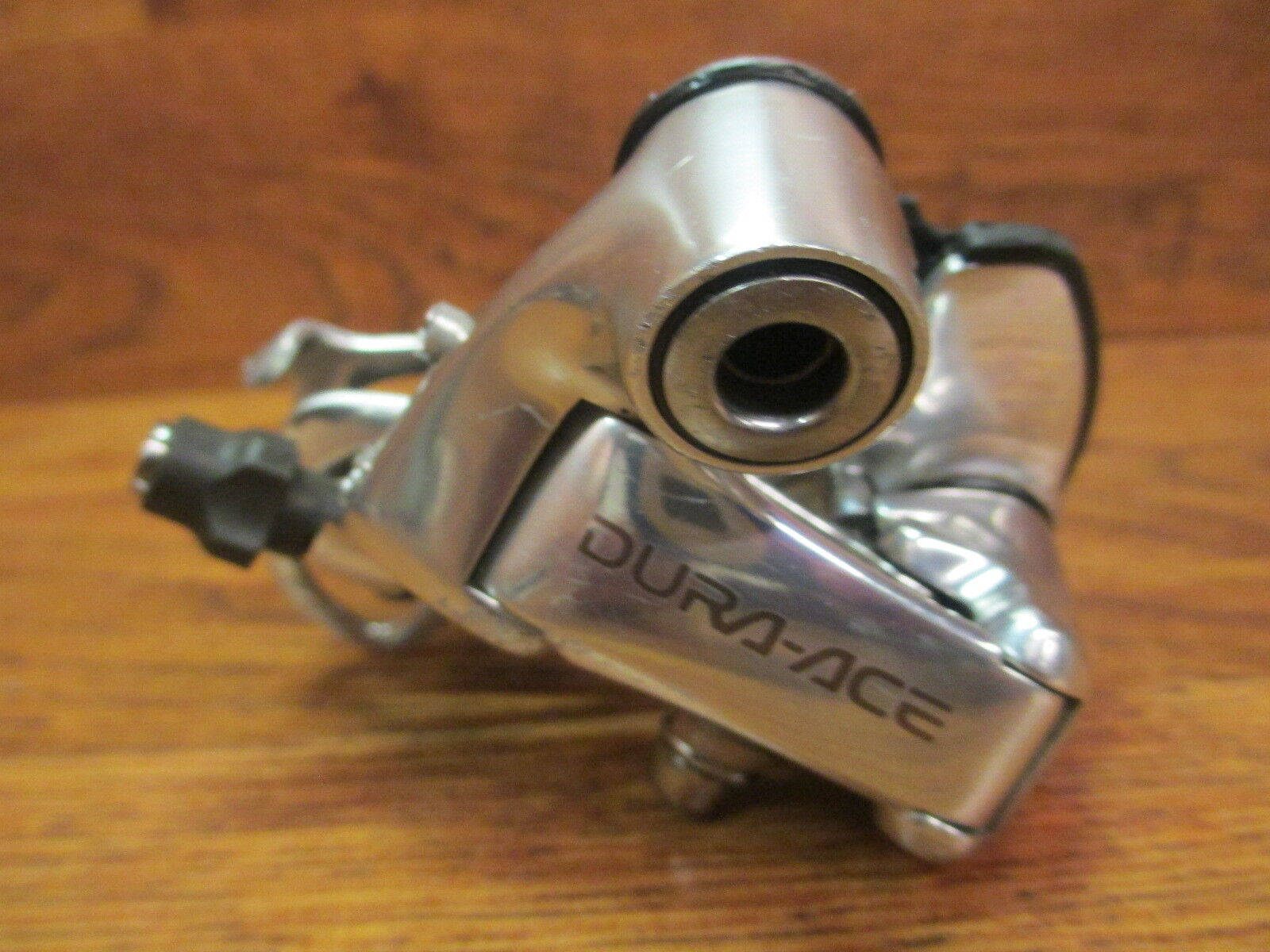 SHIMANO DURA  ACE RD-7700 9 SPEED SHORT CAGE REAR DERAILLEUR  gorgeous