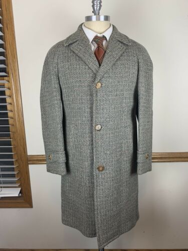 VTG WOOL GREY TWEED OVERCOAT W/ RED THREAD AND FLE