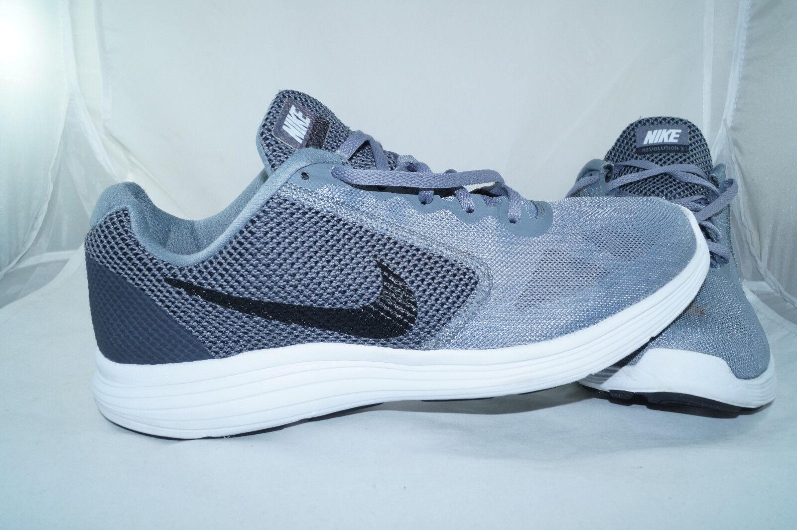 Nike Revolution 3 GR  44 Grau Sportschuhe Running Laufschuhe