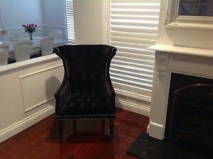 Wing-chair-black-with-silver-studs-great-condition-like-new