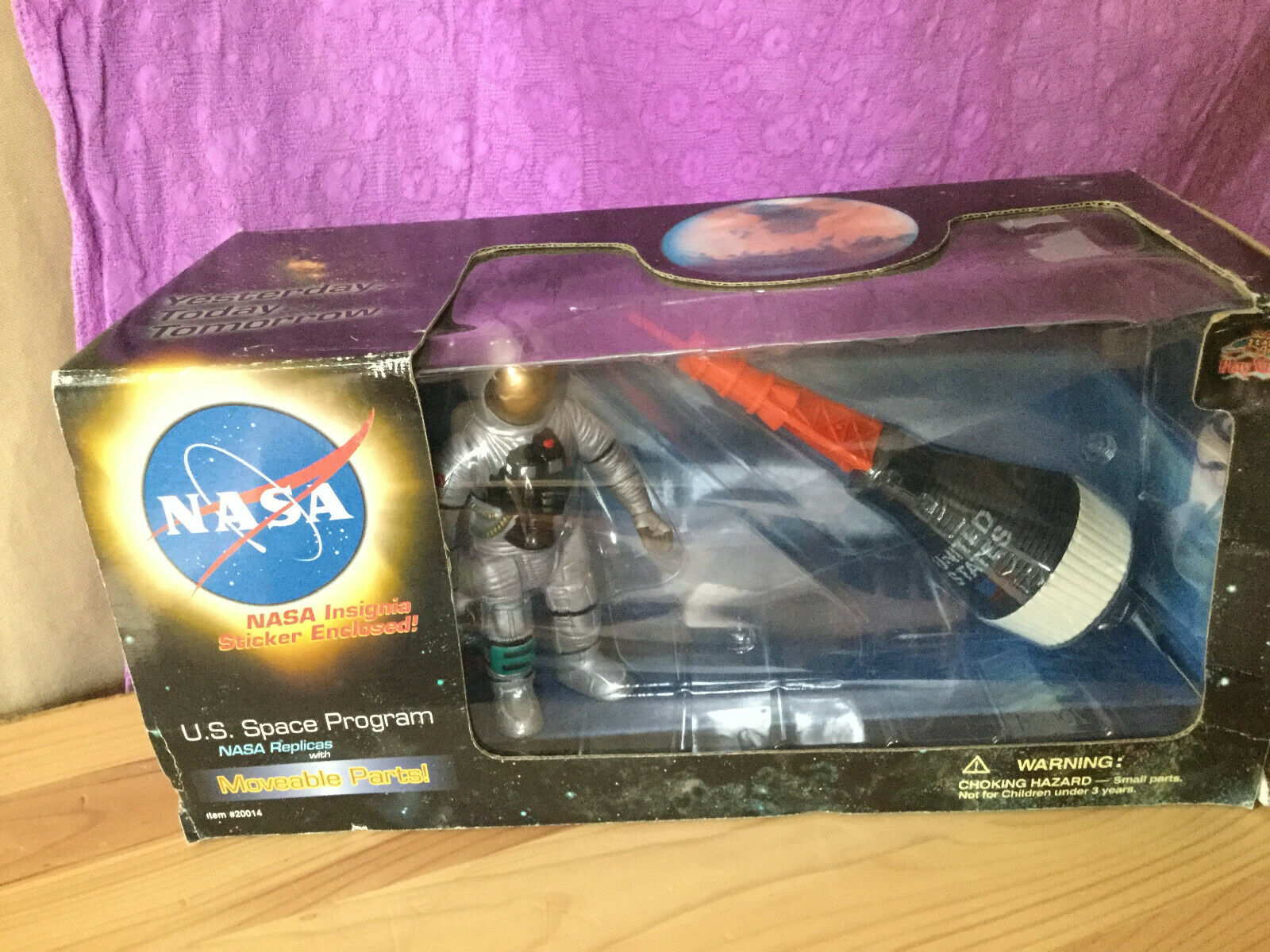 Play Visions NASA Replicas Mercury Friendship 7 7 7 with Astronaut 490c71