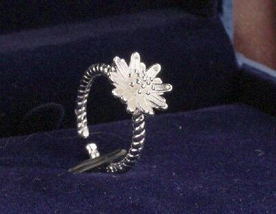 Delicate looking silver tone daisy open ring, 50s 60s retro, UK Size J