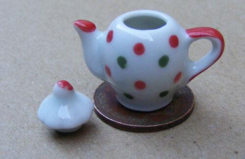 1:12 Scale White Ceramic Teapot With A Spot Motif Tumdee Dolls House Kitchen