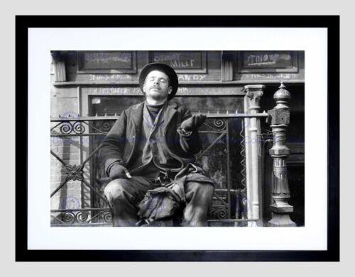 BEGGAR NEW YORK CITY VINTAGE OLD BW BLACK FRAME FRAMED ART PRINT PICTURE B12X719