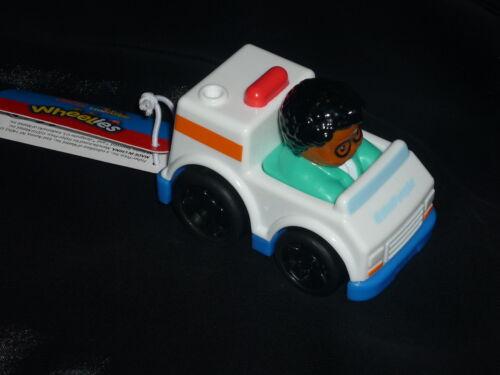 Fisher Price Little People Wheelies Ambulance Vehicle /& Doctor Michael New