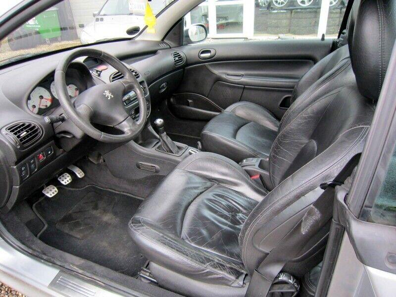 Peugeot 206 2,0 16V CC Benzin modelår 2001 km 248000