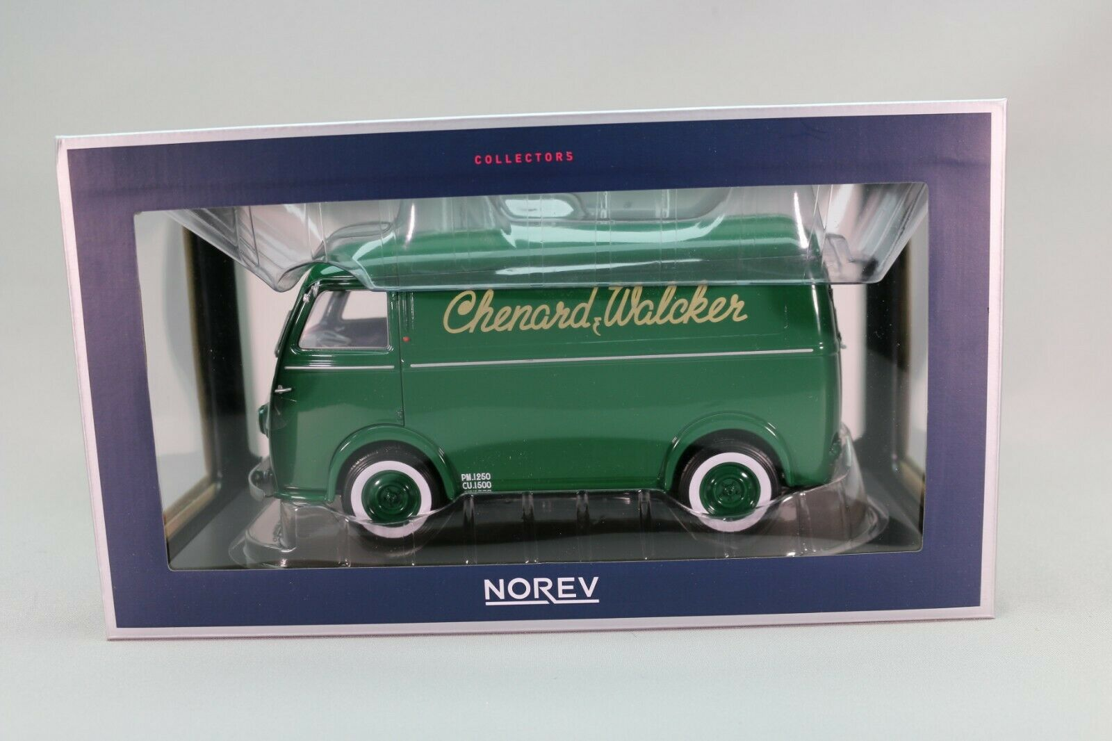 ZE035 NOREV 184698 Voiture 1 18 Chenard & Walker CHV métal verde très bon état