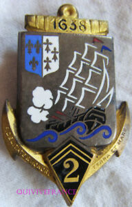IN10996-INSIGNE-2-Regiment-d-Infanterie-Coloniale-dos-lisse-embouti