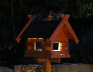 Casetta per uccelli con illuminazione solare tipo 7 4 diversi colori
