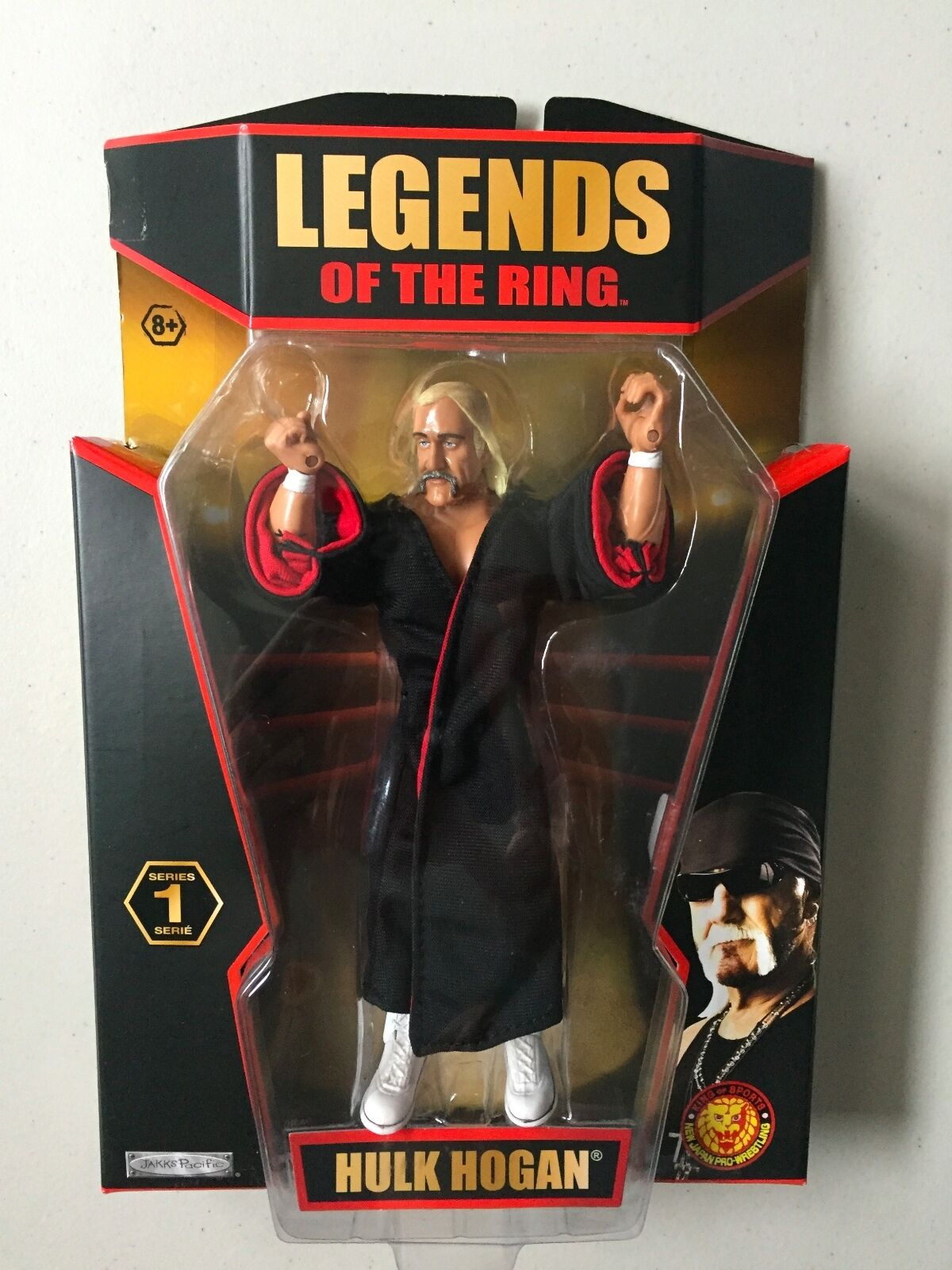 TNA Legends of the Ring HULK HOGAN Wrestling Figure WWE WWF Classic Superstars