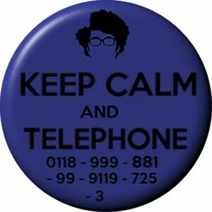 The IT CROWD Badge 2.5 cm Button I.T Geek Dork Humour Reynholm Industries