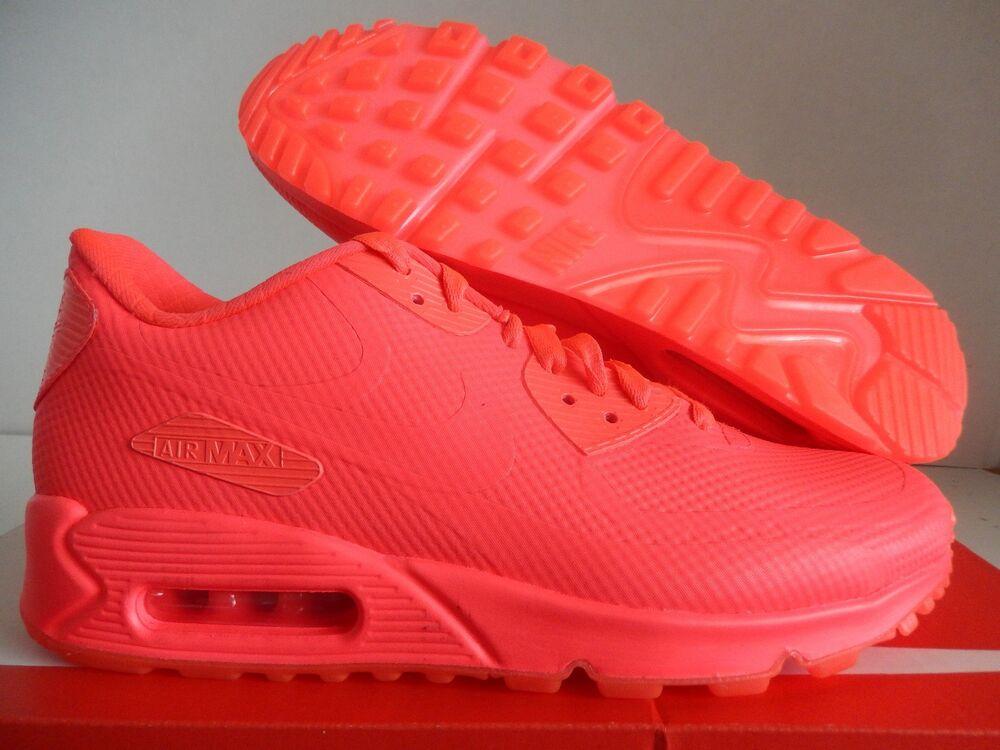 WMNS NIKE AIR MAX 90 HYPERFUSE ID SOLAR rouge  Chaussures de sport pour hommes et femmes