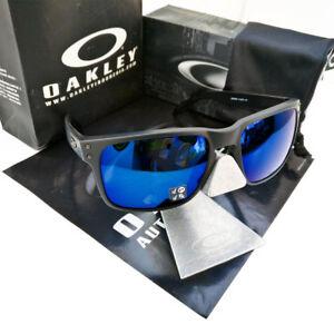 8e0679b81a9 Image is loading Oakley-Holbrook-Sunglasses-Matte-Black-Ice-Iridium- Polarized-