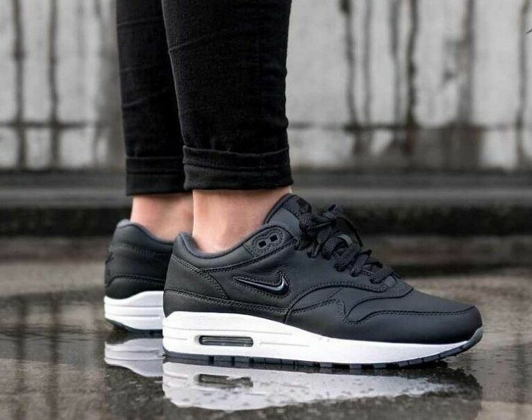 WOMENS NIKE AIR MAX 1 PREMIUM SC ,JEWEL' SIZE 4 AA0512 003) ANTHRACITE