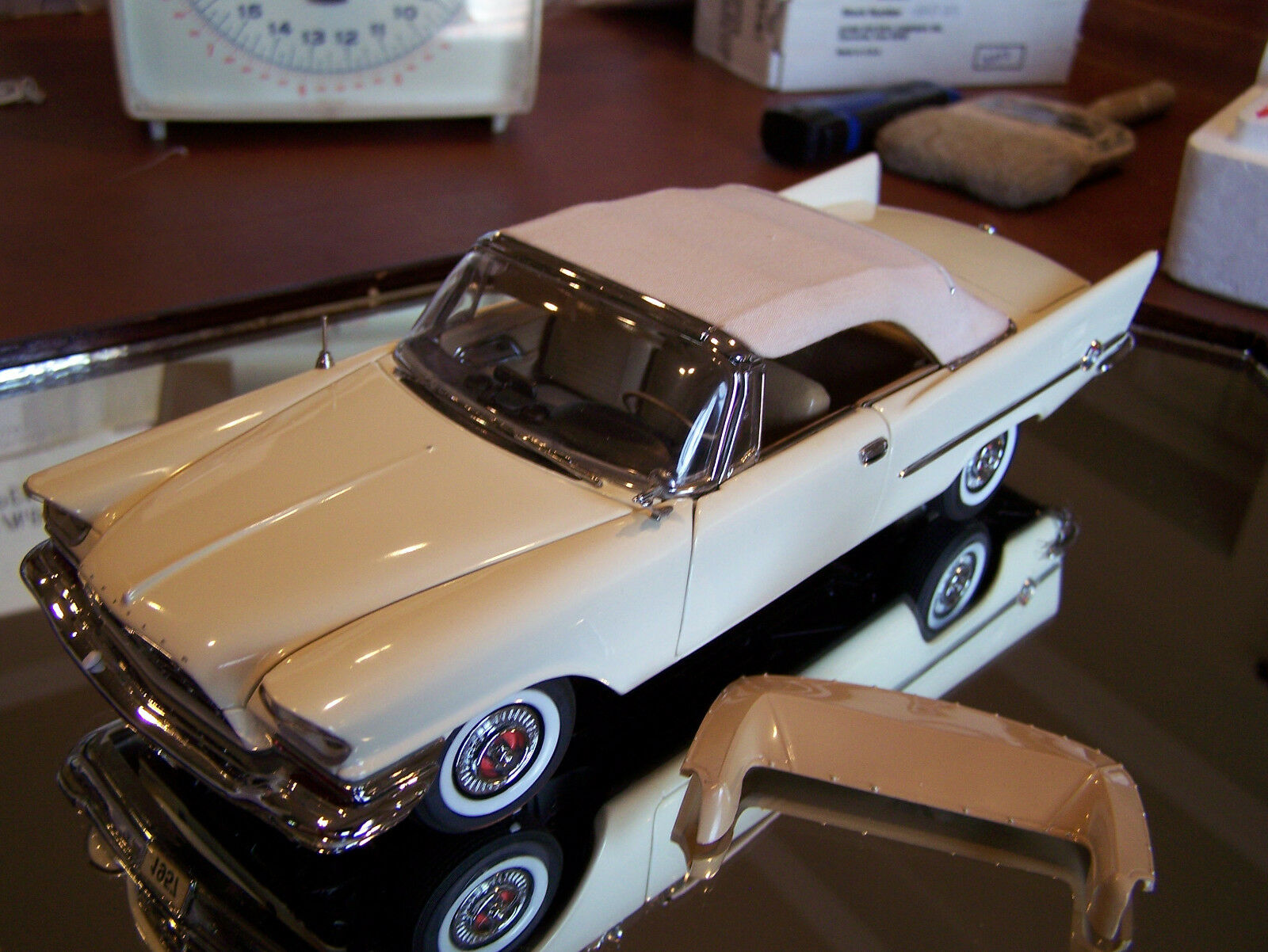 DANBURY MINT 1957 CHRYSLER NEW YORKER 300 CONgreenIBLE MINT IN BOX W  TOP NO BOOT