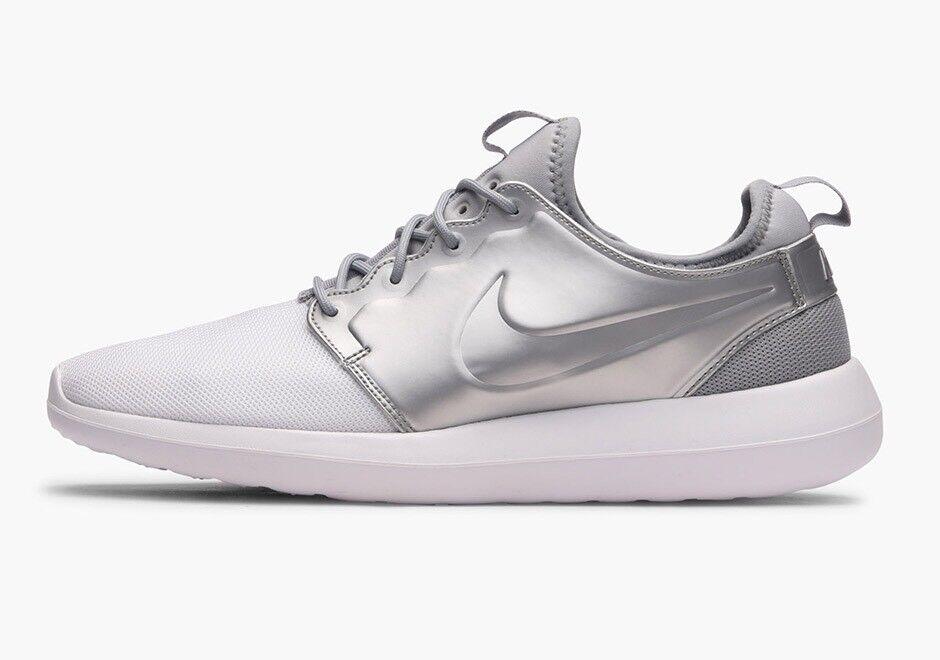 Royaume-Uni 9 Hommes Nike Roshe Two blanc argent métallisé Formateurs EU 44 US 10 844656 -100-